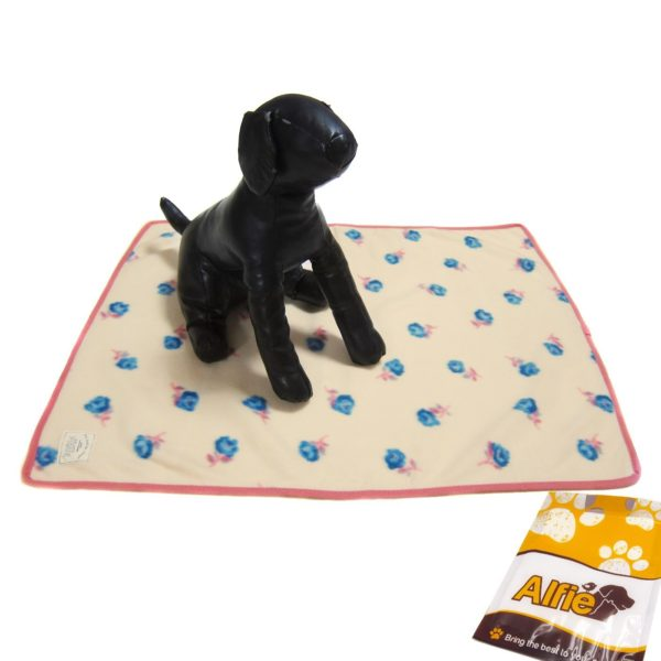 Alfie Pet by Petoga Couture - Flora Fleece Blanket for Dogs and Cats
