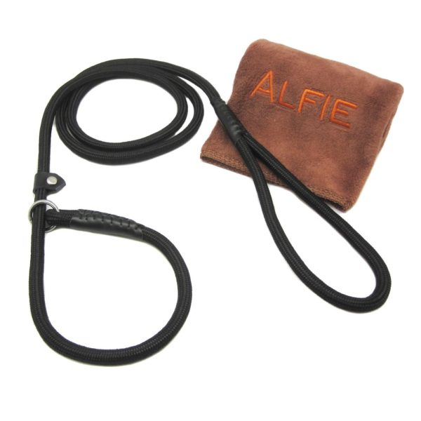 Avery Adjustable Slip Leash with Microfiber Fast-Dry Washcloth Black